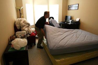 Exterminators Tackle Growing U.S. Bed Bug Problem