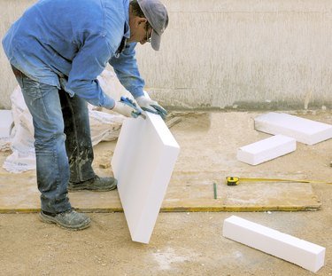 Worker size to fit a polystyrene panel
