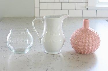 Choose vases for flowers