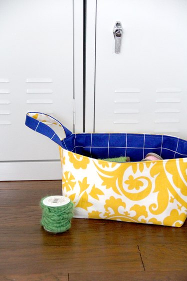 Reversible fabric basket with free pattern