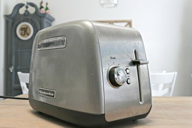 dirty toaster