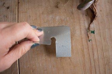 Aluminum lid with slit