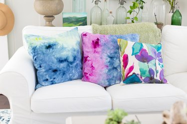 Ice dyed pillows