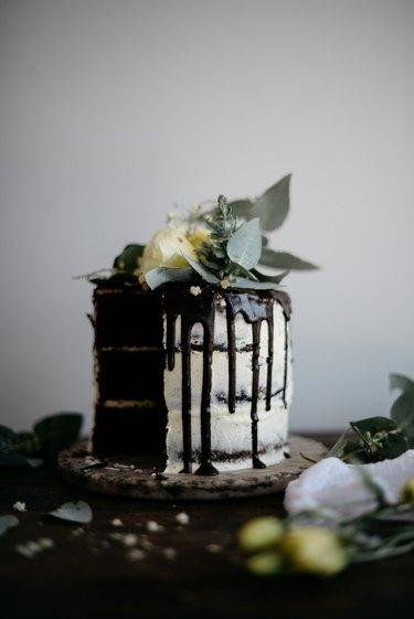 Slice, serve and enjoy the cake!