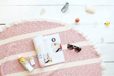 How to make a round beach towel