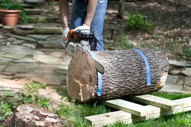 Trim the rough end of the log.