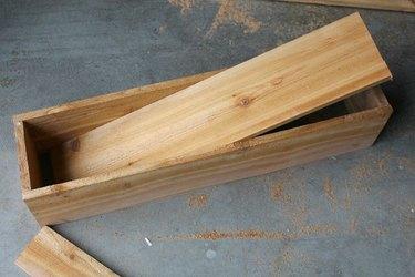 Cutting base from window box