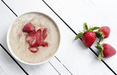 Amaranth Strawberry Porridge