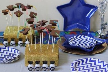 How to Make Graduation Chocolate Pops