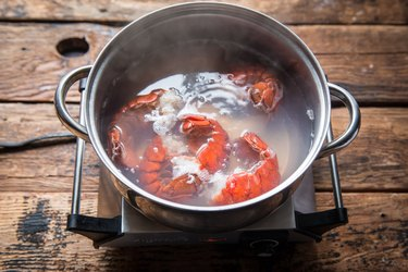 Easy to Make Maine Lobster Rolls Recipe