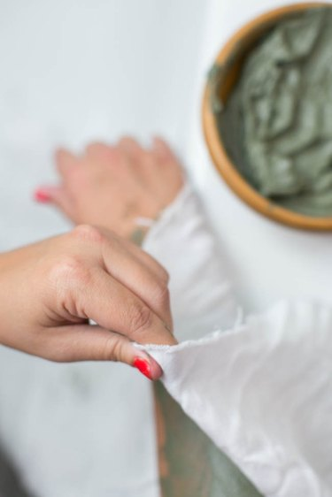 How to make a clay slimming body wrap