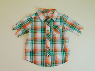 Shirt with the sleeves cut.