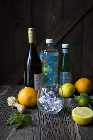How to Make a Wine Spritzer | eHow