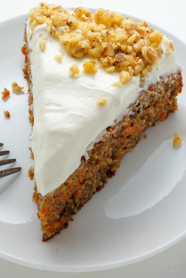 How to Make Old Fashioned Carrot Cake.