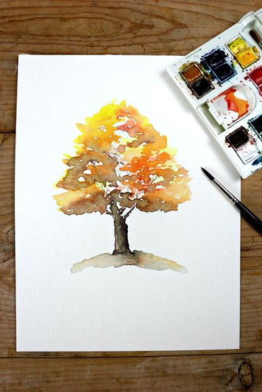 Watercolor painting of an autumn tree