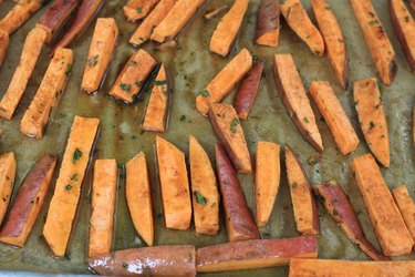 baking sweet potato fries