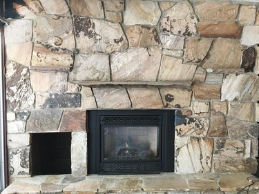 How to Update a Rock Fireplace By Using Paint