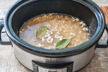 How to Cook Dried Black Beans in a Slow Cooker