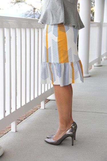women's easy knit pencil ruffle skirt