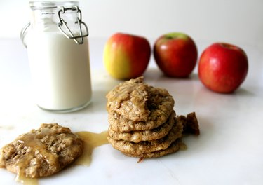 Step Spiced Apple Oatmeal Cookies With Brown Butter Icing