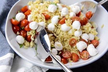Orzo Caprese Pasta Recipe