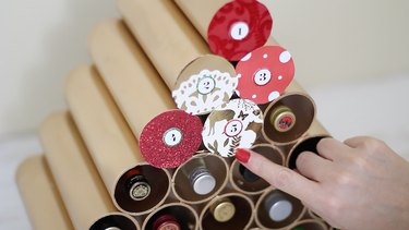 Gluing paper circles to pipes