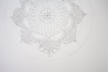 Drawing scallops along petals