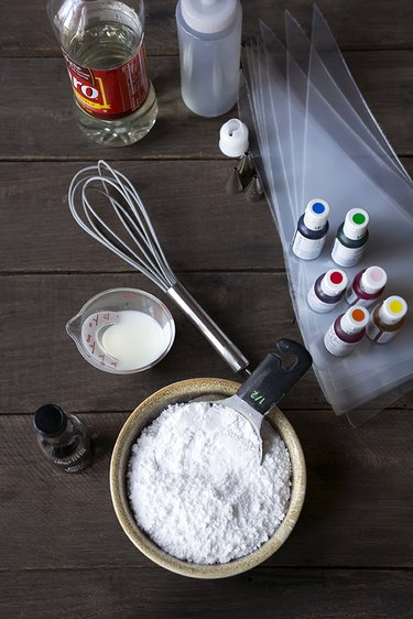 How to Make the Best Sugar Cookie Icing | eHow