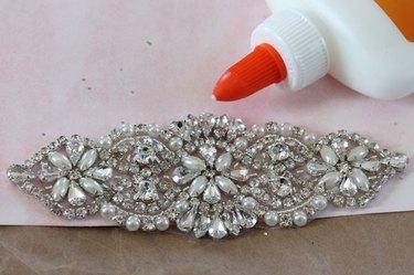 glue jewels