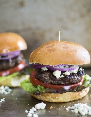 How to Make Grilled Blue Cheese Hamburgers