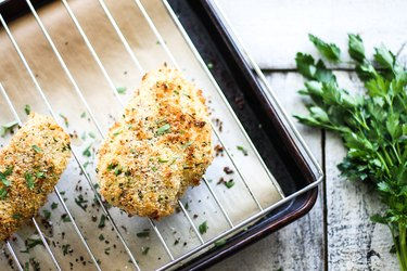 How to Bake Breaded Chicken