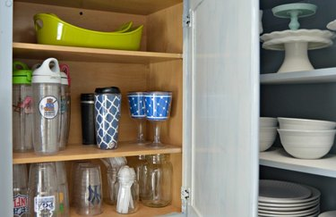 Place all plastic dinnerware in one place.