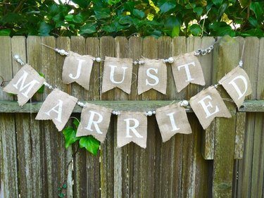 How to Make a Burlap Banner