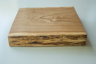 The finished cutting board.