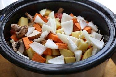 beef pot roast ingredients in slow cooker