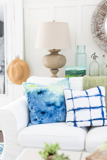 Ice dye pillows