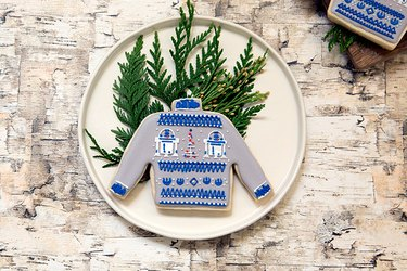 Sweater cookie decorated with R2D2 designs