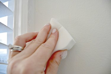 homemade cleaning solution for walls