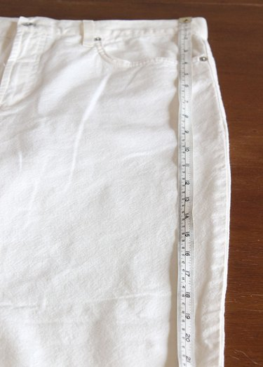 measuring the length of pants