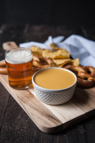 How to Make Beer Cheese Sauce