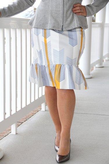 easy knit pencil ruffle skirt DIY