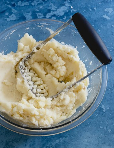 mashed potatoes with butter and milk
