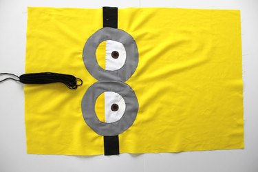 Adding hair to your minion pillowcase