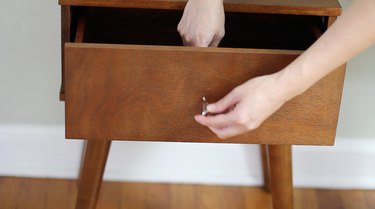 Removing hardware from drawer