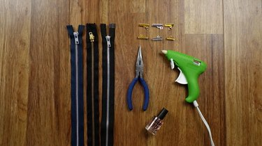 Basic materials needed to create bracelets out of zippers.