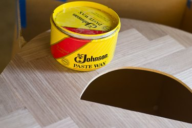 Seal the letter with wax or polyurethane.