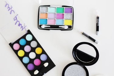 How to Create a Pretend Makeup Kit for Kids