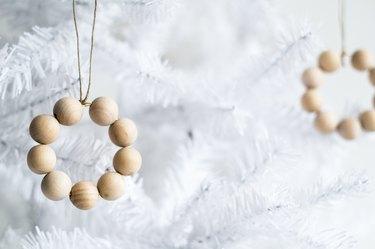 DIY Beaded Christmas Mini Wreath