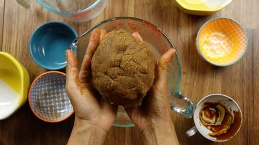 Dough for gluten-free, low-carb gingerbread cookies