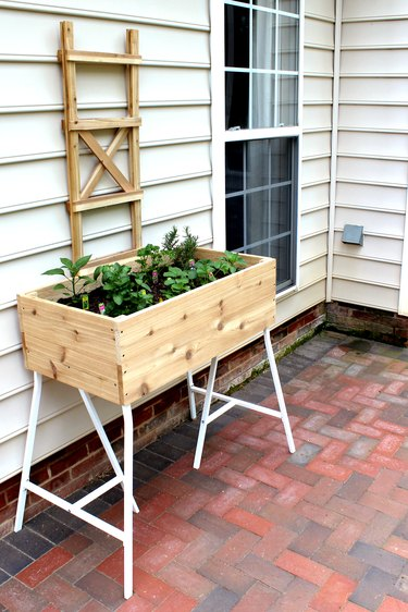 learn how to make a standing box planter from cedar